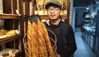 清华毕业当保安 研究生卖面包 学历真的无用吗?